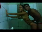 Comeu a Prima Novinha Favelada no Banheiro - http://www.novinhas.tv