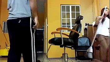 Câmera Escondida Flagra Tio Abusando Fodendo Cu da Sobrinha Novinha