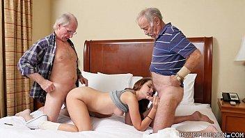 Video incesto inédito neta deliciosa na suruba com dois avôs na cama