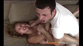 Videos de incesto Irmão safado estuprando a buceta gostosa da irmã novinhas